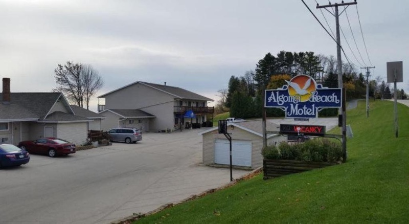 algoma-beach-motel-1
