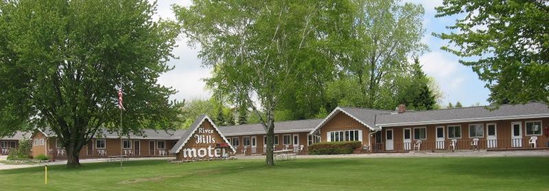 river-hills-motel-algoma