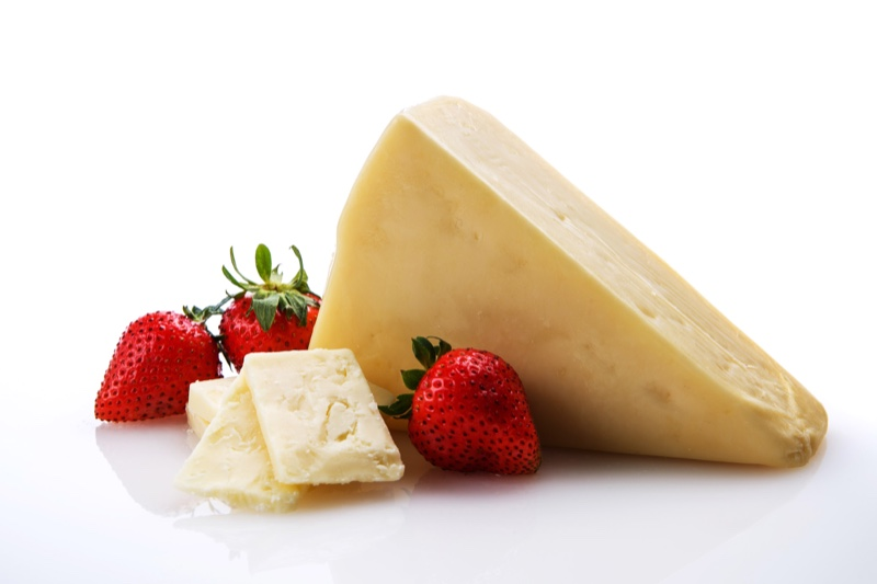 2-Year-White-Cheddar-with-strawberries