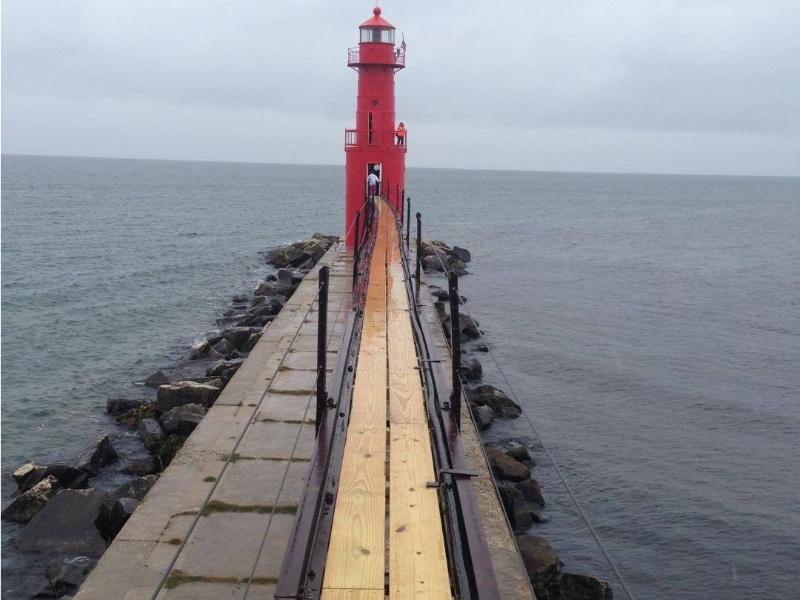 lighthouse-catwalk-slide-2014-joy