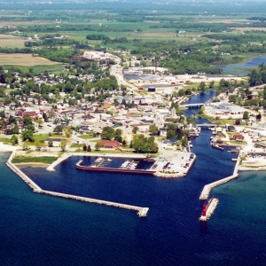 arial-view-algoma-harbor-e1392069360931